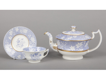 A Rockingham teapot and cover and a t...