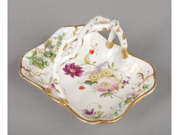 A small Rockingham oblong basket with...