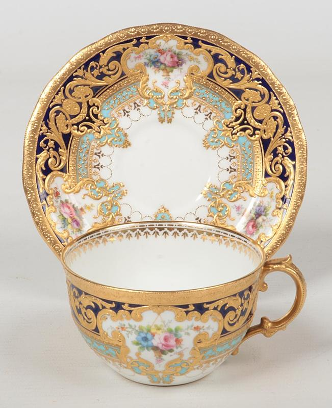 A fine Royal Crown Derby cup and a scall