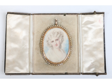 A 15 carat gold cased ivory portrait min