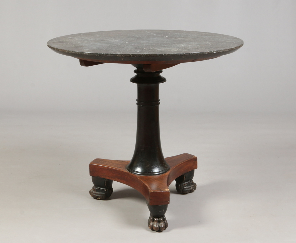 A Regency mahogany centre pedestal table