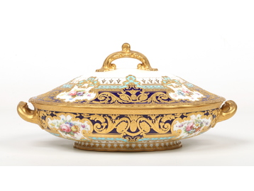 A fine Royal Crown Derby tureen and cove