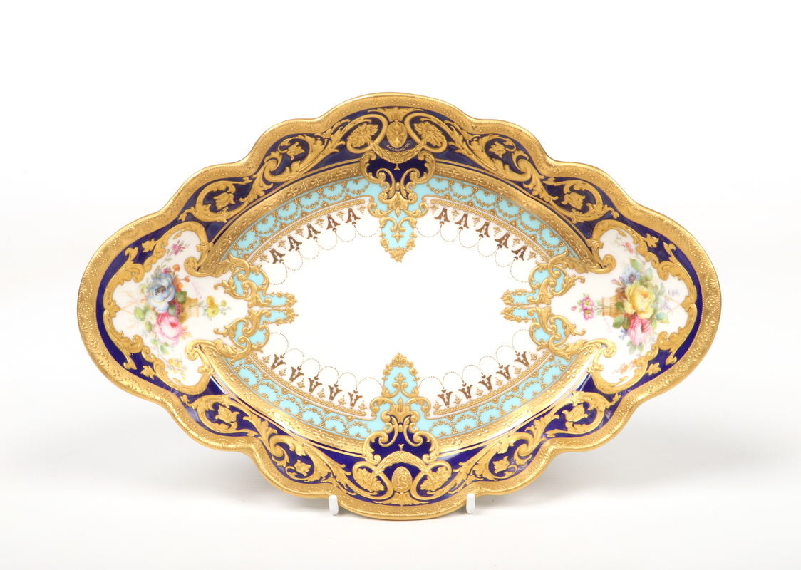 A fine Royal Crown Derby scalloped dish